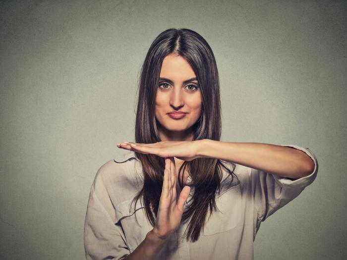 cómo tratar a un novio celoso ultimatum